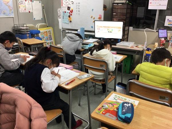 小学1、2年生クラス(PF)、頑張っています!